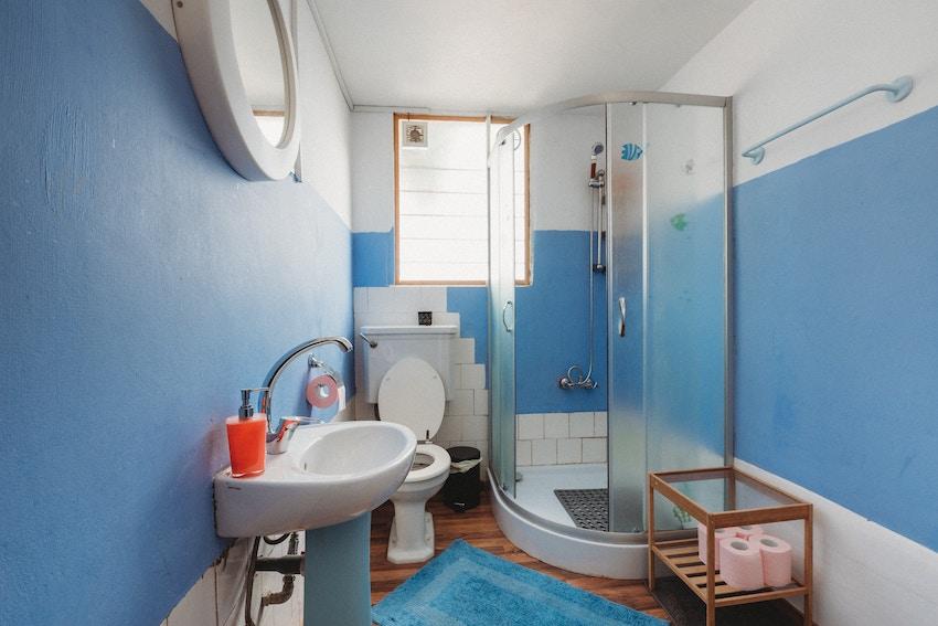 Precio cambiar bañera por plato de ducha en Móstoles